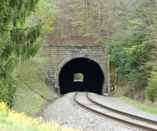 sabula_tunnel.jpg
